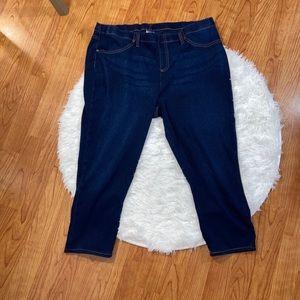 Women's plus size capri pants